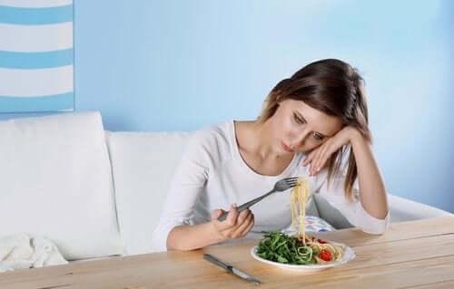 Manglende appetit er en af de skjulte vaner hos deprimerede mennesker