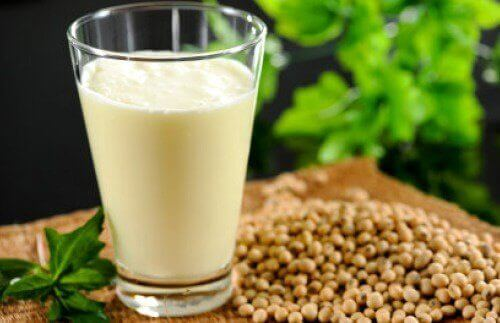 Hampemælk: Næringsstoffer, fordele og en opskrift