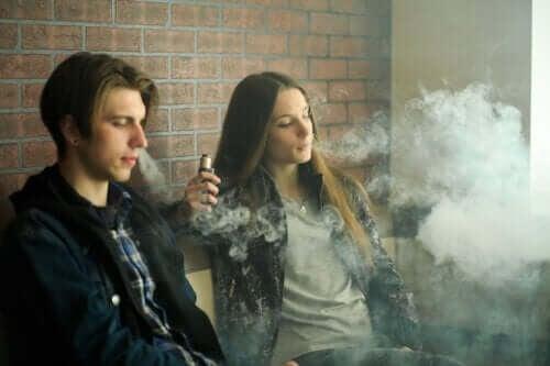 Elektroniske cigaretter: Er de sikre at bruge?