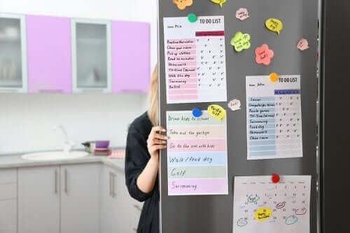 Sådan laves en organiseringstavle til køkkenet
