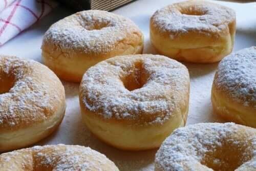 Lækre hjemmelavede dulce de leche donuts
