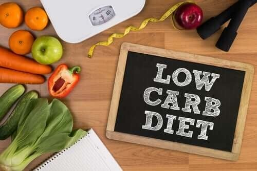 Bag om diæter med et lavt kulhydratindhold