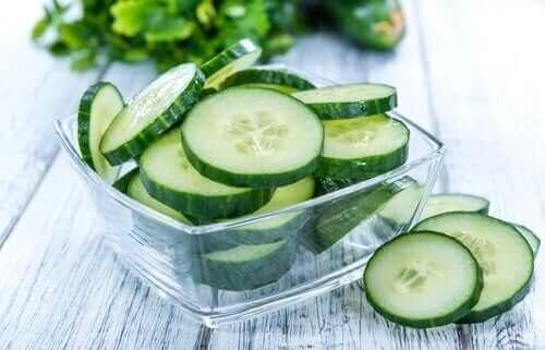 Agurk er en anbefalet mad til kalorifattig kost, fordi den indeholder meget vand og vitaminer