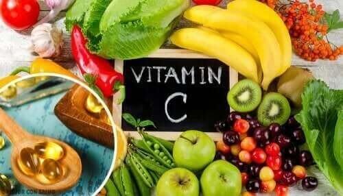 Frugt og grøntsager med et højt C-vitaminindhold