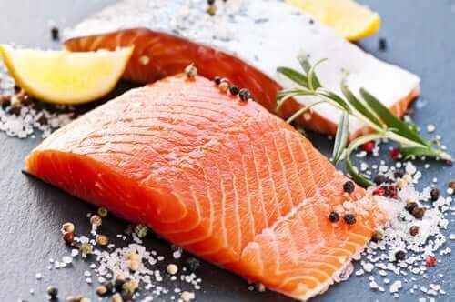 Denne slags fisk er en af de sundeste for dit hjerte, og den er også fantastisk til at reducere mavefedt