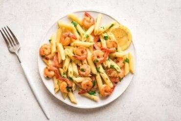 Opskrift på pasta med citron og rejer