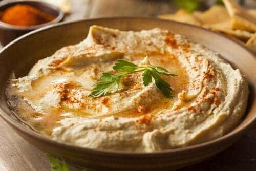 Prøv denne nemme opskrift på hummus med paprika