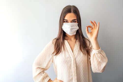 Bør vi alle bære masker mod coronavirus?