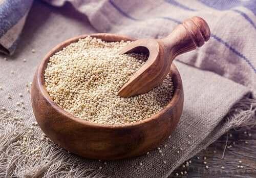 Quinoa i skål