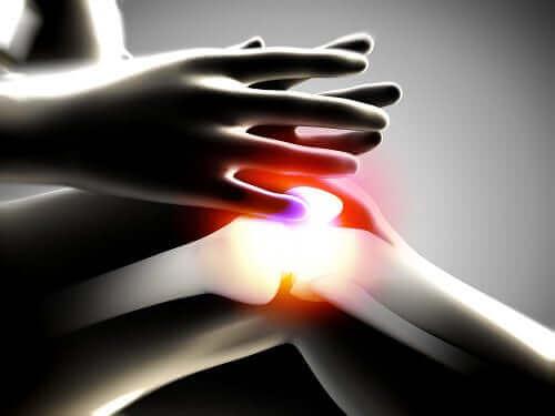 Degenerativ ledssygdom ses i knæ med rødt lys