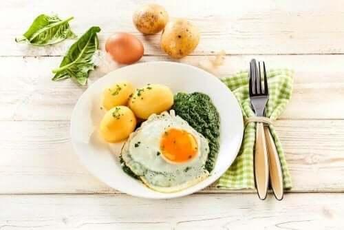 Eksempel på måltid, der følger paleo-kost