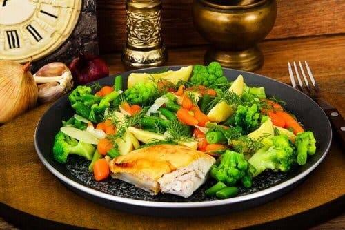 Grøntsager som tilbehør kan hjælpe med at reducere kulhydratindtag
