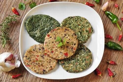 Tofu vil fungere som hovedbestanddel til at fremstille lækre veganske burgere med vores yndlings tilbehør