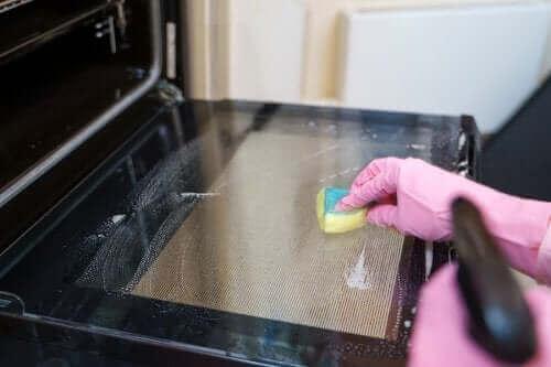 Fem tips til at rengøre ovnen