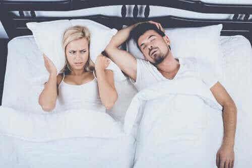 Fire alternative behandlinger til at kontrollere snorken