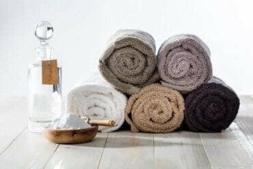 En natronblanding til friskere håndklæder