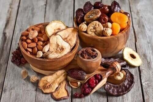 Nødder og tørrede frugter