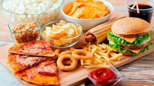 Fast food på bord