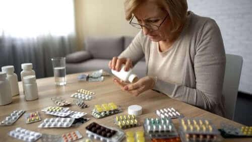 Selvmedicinering og dets sundhedsmæssige risici