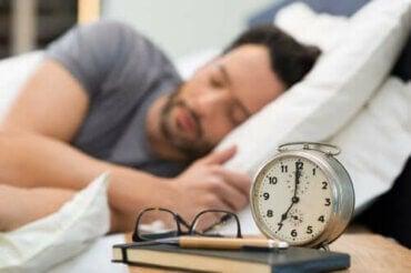 Forbedr din søvn med disse sunde sovevaner