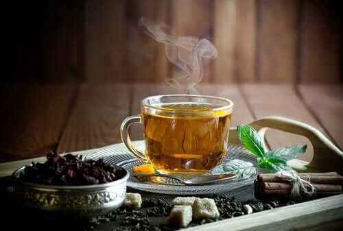 Forskellige typer af te til anæmi