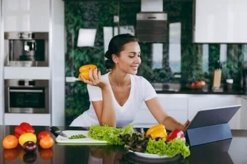 Kan man tabe sig ved at springe aftensmaden over?