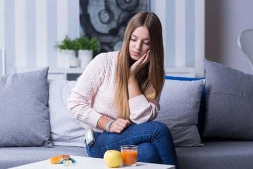 Hvad er symptomerne på hypoglykæmi?