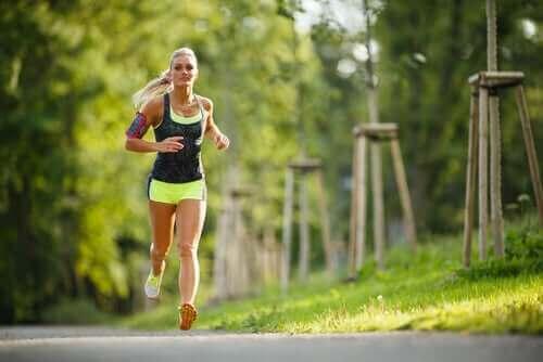 Fysisk motion og menstruationscyklussen
