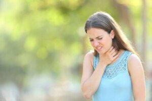 Behandling af overproduktion af slim i halsen
