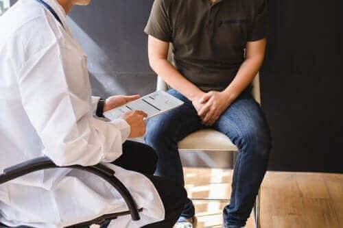 Årsagerne og behandlingen af knopper på penis