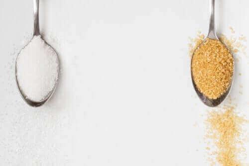 Er brun farin bedre end hvid sukker?