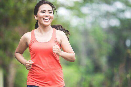 Kvinde løber