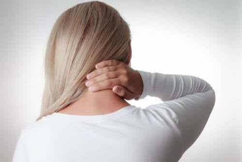 Effektive måder at behandle nakkesmerter på