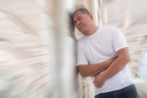 Sidestik er en intens smerte mellem brystet og mellemgulvet