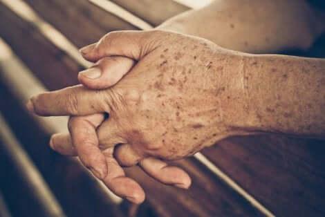 Foldede hænder