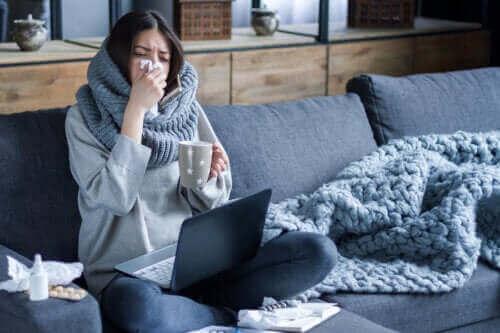 Grunde til, at influenza spredes nemmere om vinteren
