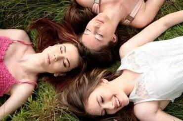Er det sandt, at kvinders menstruation synkroniserer?