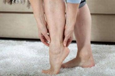 Lær alt om tunge ben og hvad du kan gøre ved det