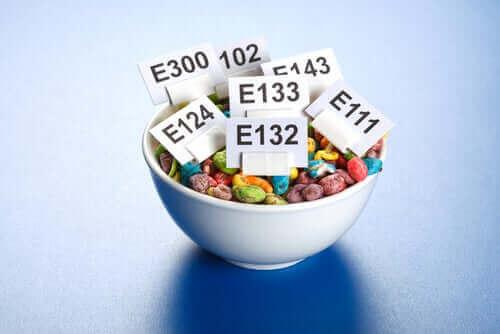 Hvordan er det, at tilsætningsstoffer til fødevarer påvirker kroppen?