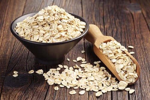 Havregryn kan bruges til at lave glutenfri müslibarer