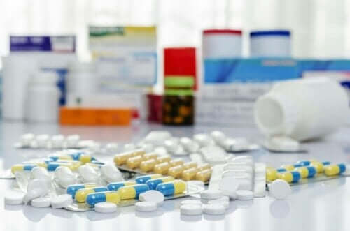 Lægemidler på bord