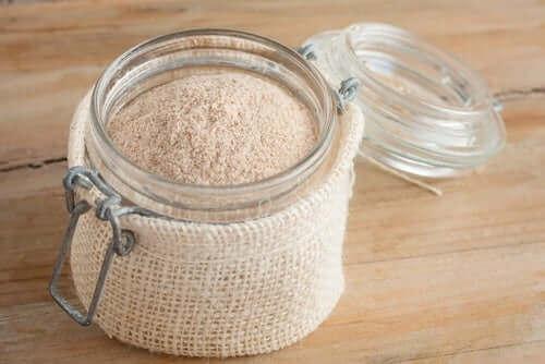 Mel til brød med lavt kulhydratindhold