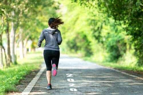 Tab dig ved at kombinere gang og løb