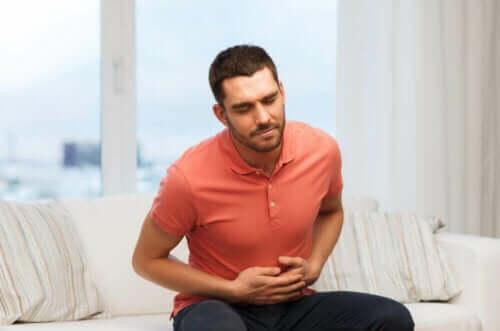 Mand med mavepine