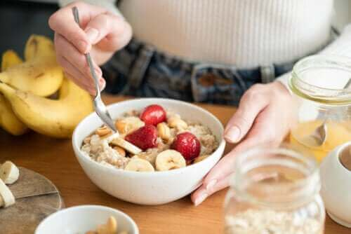 Det sunde ved en kulhydratrig morgenmad