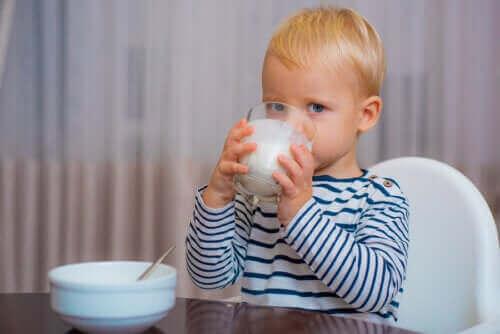 Den rigtige mælk til småbørn efter det første år