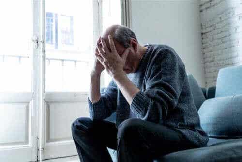 Hvad er tillært hjælpeløshed, og kan det behandles?
