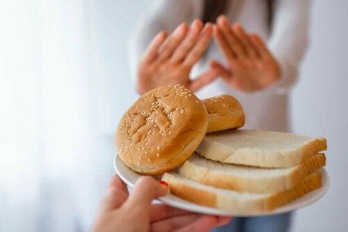 Kvinde siger nej til hvidt brød