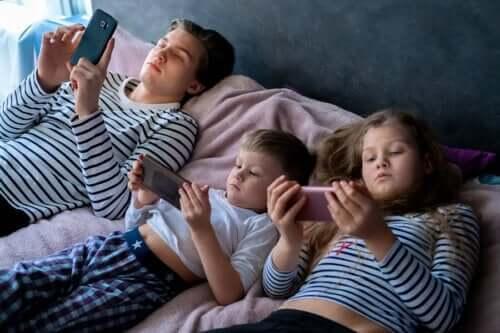 Konsekvenser af for meget skærmtid til børn