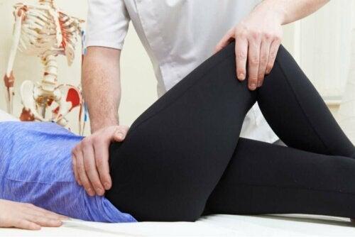 Udstrækning af hoften for at lindre slimsækbetændelse i hoften